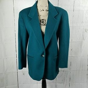 L.L. BEAN Vintage wool blazer size 8p(runs big)